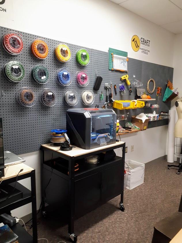 Makerspace kirjastossa.